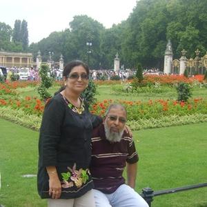 Jumana Nalwala Travel Blogger