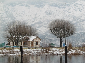 Srinagar in Snow - World's Most Beautiful City