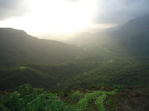 Weekend Getaway from Mumbai in Monsoon:Malshejghat