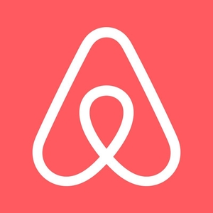 Airbnb Travel Blogger