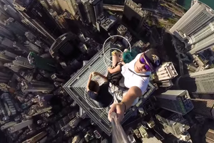 Students Take Insane Selfie Atop Hongkong Skyscraper