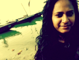 Colour me Benaras: The Transition from a Tourist to a Traveler