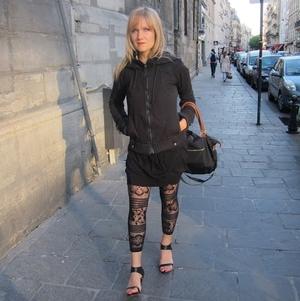 Ava Fedorov Travel Blogger