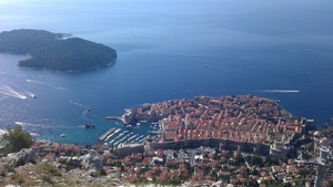 Up to 3 hours - spectacular views and guiding tour of Dubrovnik