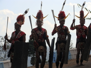 Of feathers, neck pieces and dancing hills
