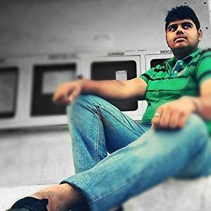 Paras Kundra Travel Blogger