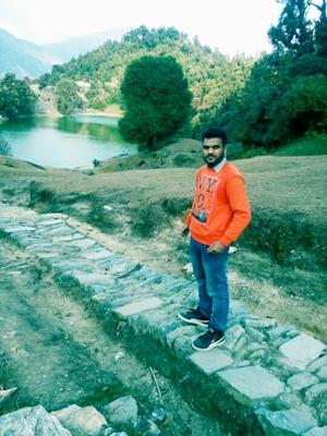 Deoriatal Trek - A Lake in Garhwal Himalayas