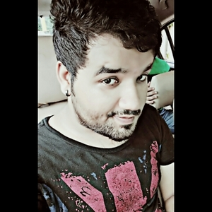 Kashish Suri Travel Blogger