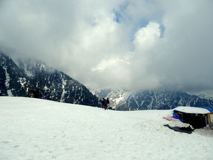 Winter hike to Triund Hill.