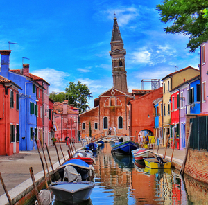 The rainbow jewel of the Venetian lagoon