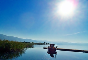 """Lake Trichonida: Five pictures that """"say"""" a lot !"""