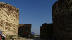 Morro de Lakhpat : Florished, Turned into ruins but still guarding