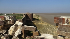 Morro de Lakhpat : Florished, Turned into ruins but still guarding