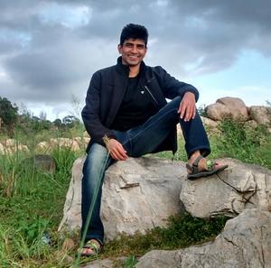 Laxman Nesari Travel Blogger