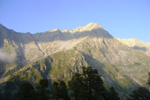 Indrahar Pass Trek – Exhilarating Adventures beyond Triund