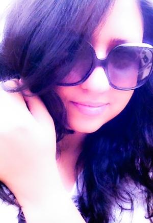 Hanan Becker Travel Blogger