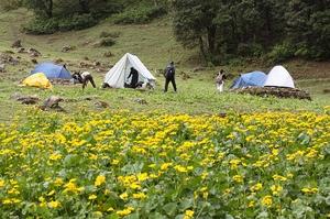 The adventure trail to Khanpari – Lama dug trek