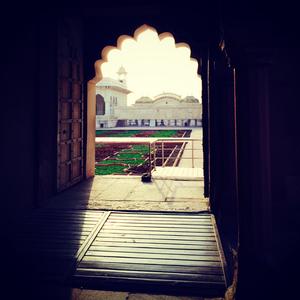 A Mughal day