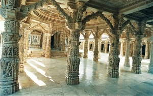 Explore the Scenic Beauty of Mount Abu in the Center of Desert