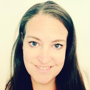 Pamela Macnaughtan Travel Blogger