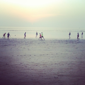 Travelling Solo – Football at Juhu