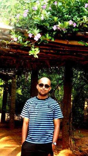 Malab Travel Blogger