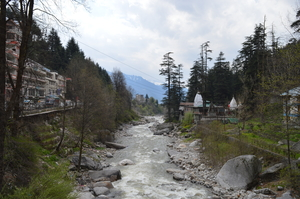 Aching for a weekend trip away from Delhi? Manali perfectly works as a healing balm.