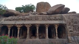 Mahabalipuram - Beachside historic temple and architecture wonder