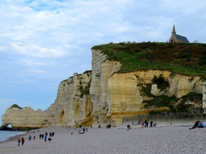 Etretat – White Chalk Cliffs and Natural Arches of Normandy