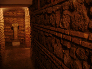 Ancient & Medieval Underground Walking Tour: Rome
