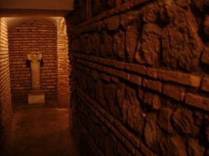 Ancient & Medieval Underground Walking Tour: Rome
