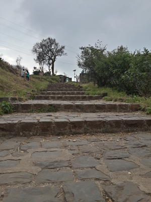 A day off in Sinhagad Fort (Maharashtra)
