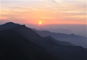 Few amazing sunsets in India for your love for sunsets