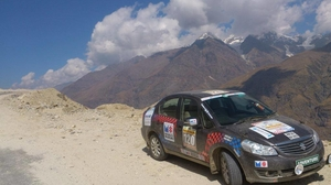 Raid-de-Himalaya: The World's HIghest Motorsport Battle Arena!