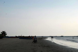 The Drive-In Beach: Muzhappilangad, Kerela