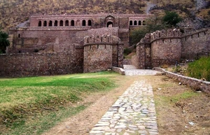 Bhangarh Fort: Hauntings and Incidents