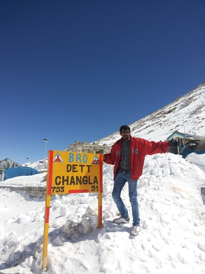 Hari om Travel Blogger