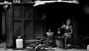 Folks on The Road : Calcutta in Monochrome