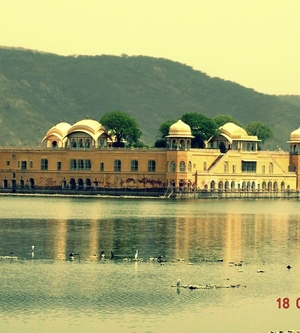 A Feel Good Factor Called Jal Mahal (Jaipur) - Fly With Shaunak