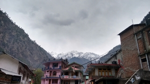 Amidst the snow, there lies a hot spring -Kheerganga !!