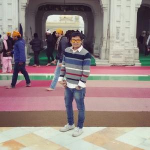 Ch@my Travel Blogger