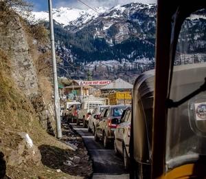 Manali : Road Trip with old Esteem (Shabnam) .