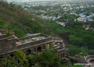 Neemrana Fort Palace: Your Weekend Getaway