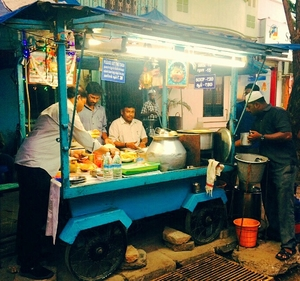 Street style soup and samosas in Pondicherry