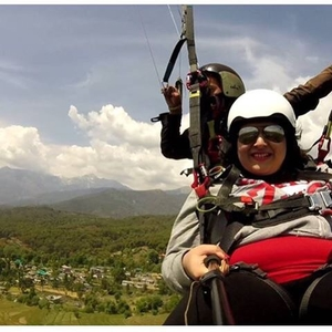Paragliding at Birbilling