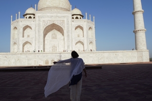How to explore the best of Taj Mahal?