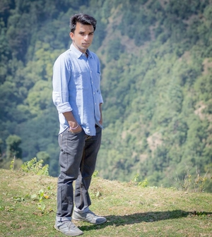 Ash Kapoor Travel Blogger