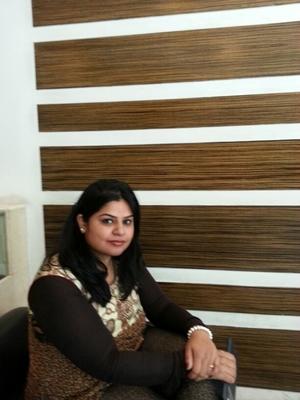 Nidhi Arya Travel Blogger