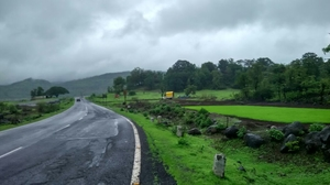 Throttling in the rains - Malsej Ghat.