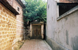 Biking across Duong Lam: Exploring ancient village